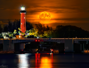 Jupiter-lighthouse-full-moonrise-night--justin-kelefas